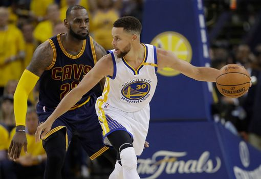 Steph Curry Totally Double-Dribbled During That Crazy Play Against LeBron James