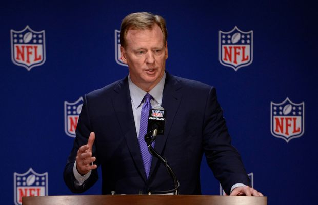 "Roger Goodell When Asked About Colin Kaepernick's Unemployment: ""I'm Not a Football Expert"""