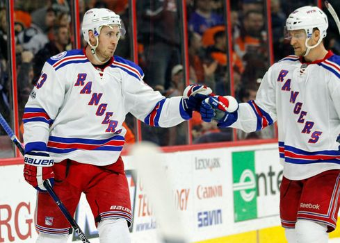 Rangers' Kevin Hayes Out 2-3 Weeks With Lower Body Injury