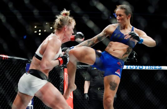 """Holly Holm Accuses UFC 208 Opponent of """"Intentional"""" Late Blows, Wants Rematch"""