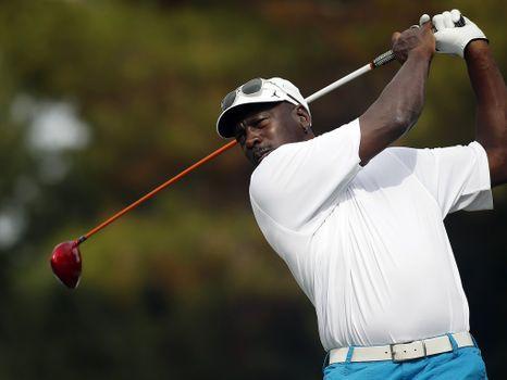 Charles Barkley Reveals the Insane Amounts that Michael Jordan Used to Bet on Golf