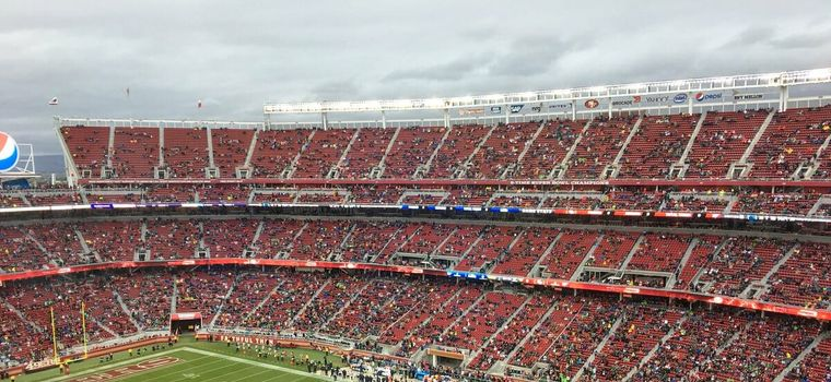 Michael Bennett Roasts 49ers Fans For Half-Empty Stadium