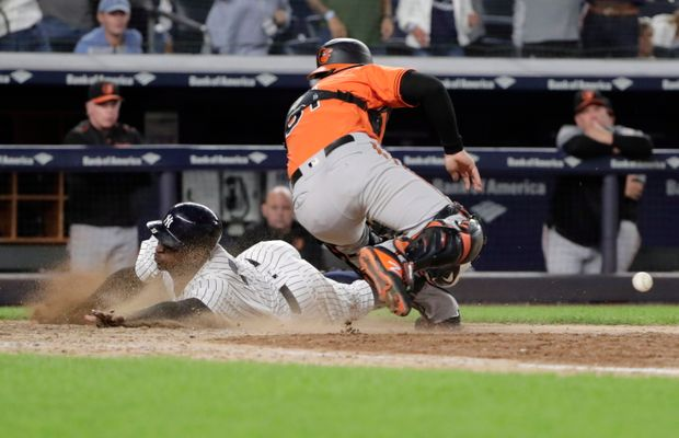 Report: Yankees Gregorius May Be Done For The Season After Injuring Wrist
