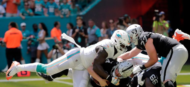 Dolphins Pass Rusher Tore His ACL Trying To Not Land On Raiders Quarterback