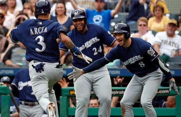 WATCH: Brewers Clear The Bases On A Wild Pitch