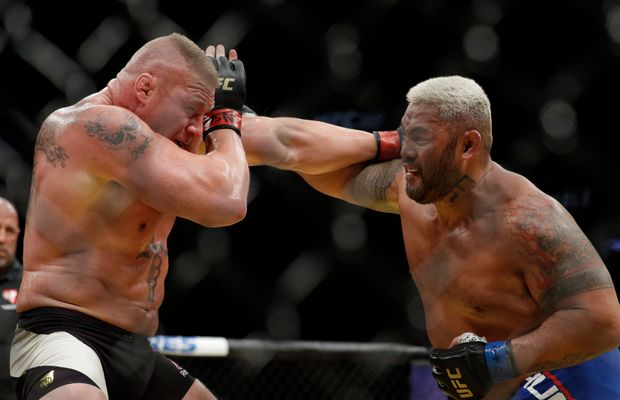 Mark Hunt Blasts UFC's Plans To Give Brock Lesnar a Title Shot