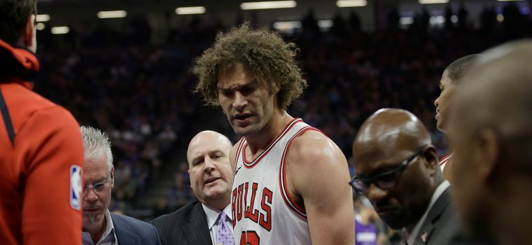 WATCH: Robin Lopez Has A Complete Meltdown After Being Ejected From Game